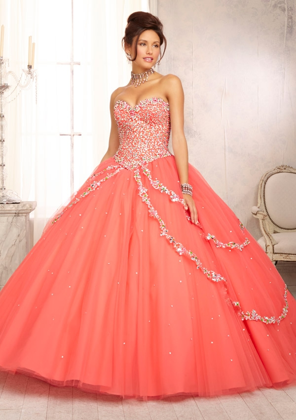 Quinceanera dress new york wedding gowns in corona queens for Rent a wedding dress nyc